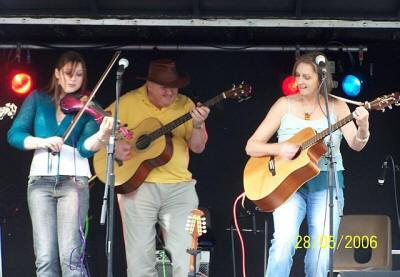 Ceili, Barn Dance band, Glos, Bath, S Wales(AV03)